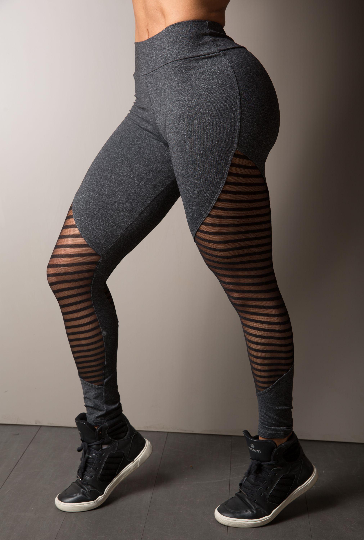 a9d32373f Legging Fitness Recorte em Tule Canelado